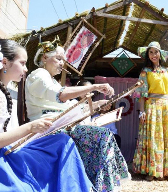 Mujeres Ñandutí